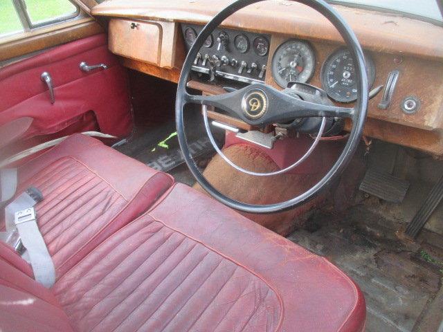 1965 Daimler V8-250 MK2 Jaguar shape for restoration For Sale (picture 5 of 6)