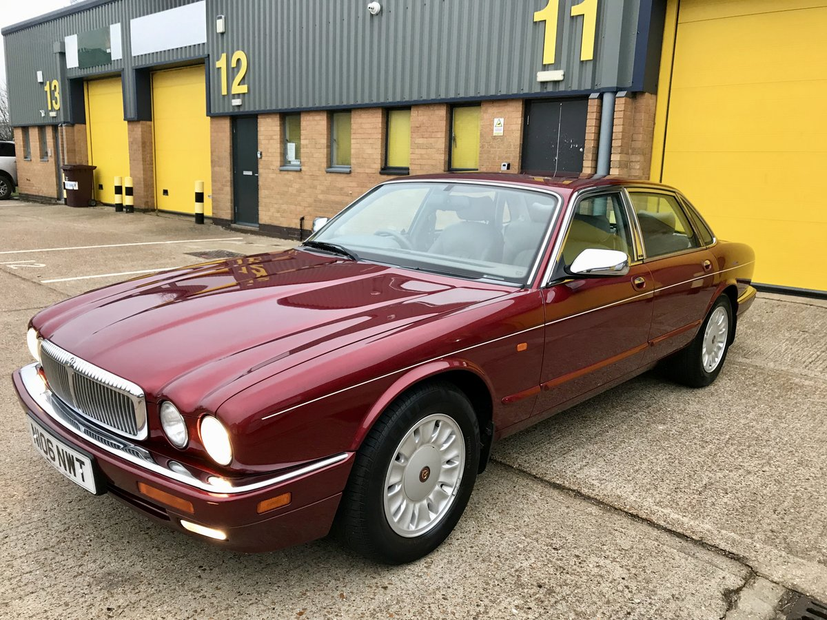 DAIMLER SIX 4.0 - 1995 - ONLY 62,000 miles FSH For Sale (picture 1 of 6)