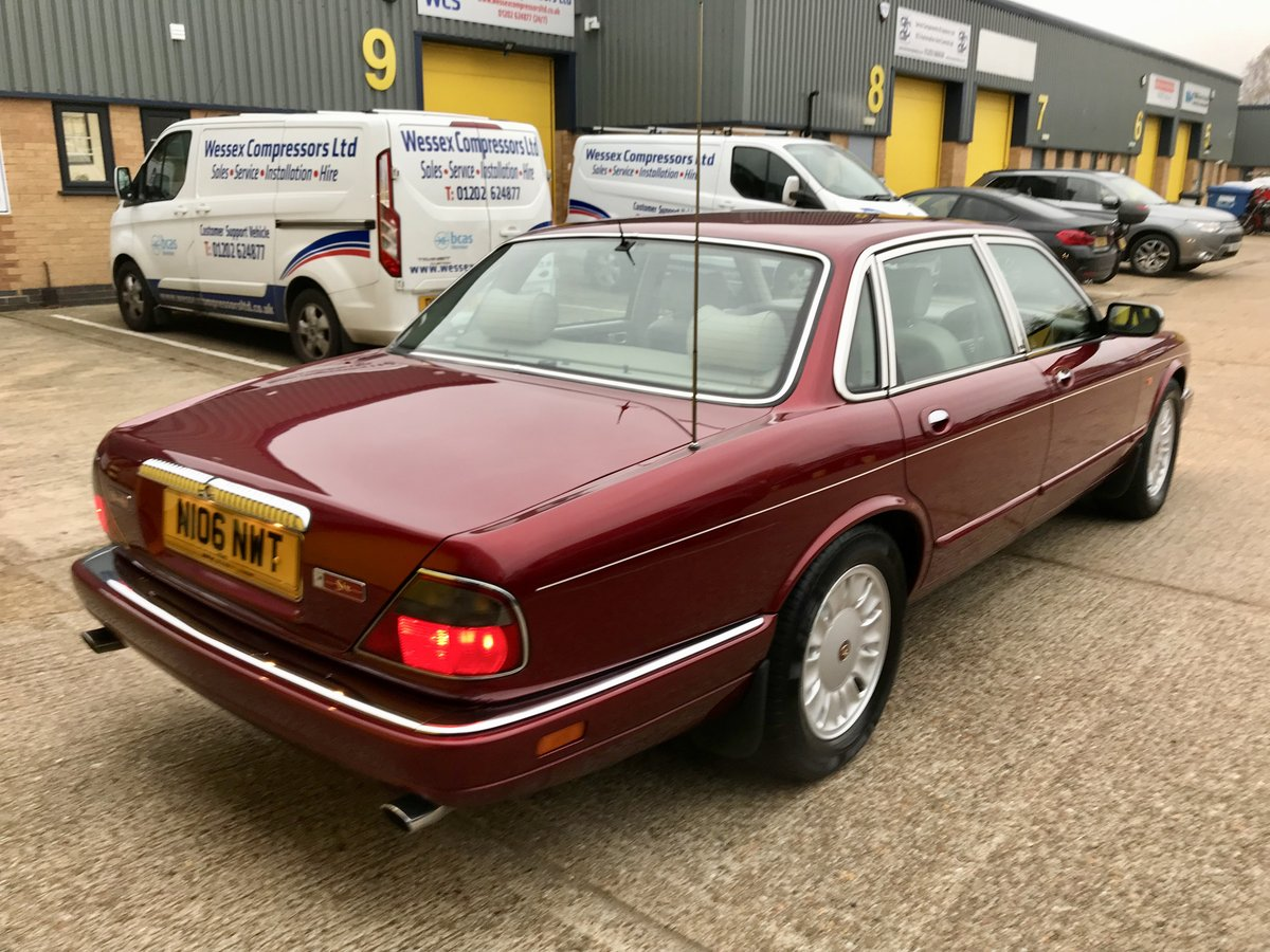 DAIMLER SIX 4.0 - 1995 - ONLY 62,000 miles FSH For Sale (picture 2 of 6)