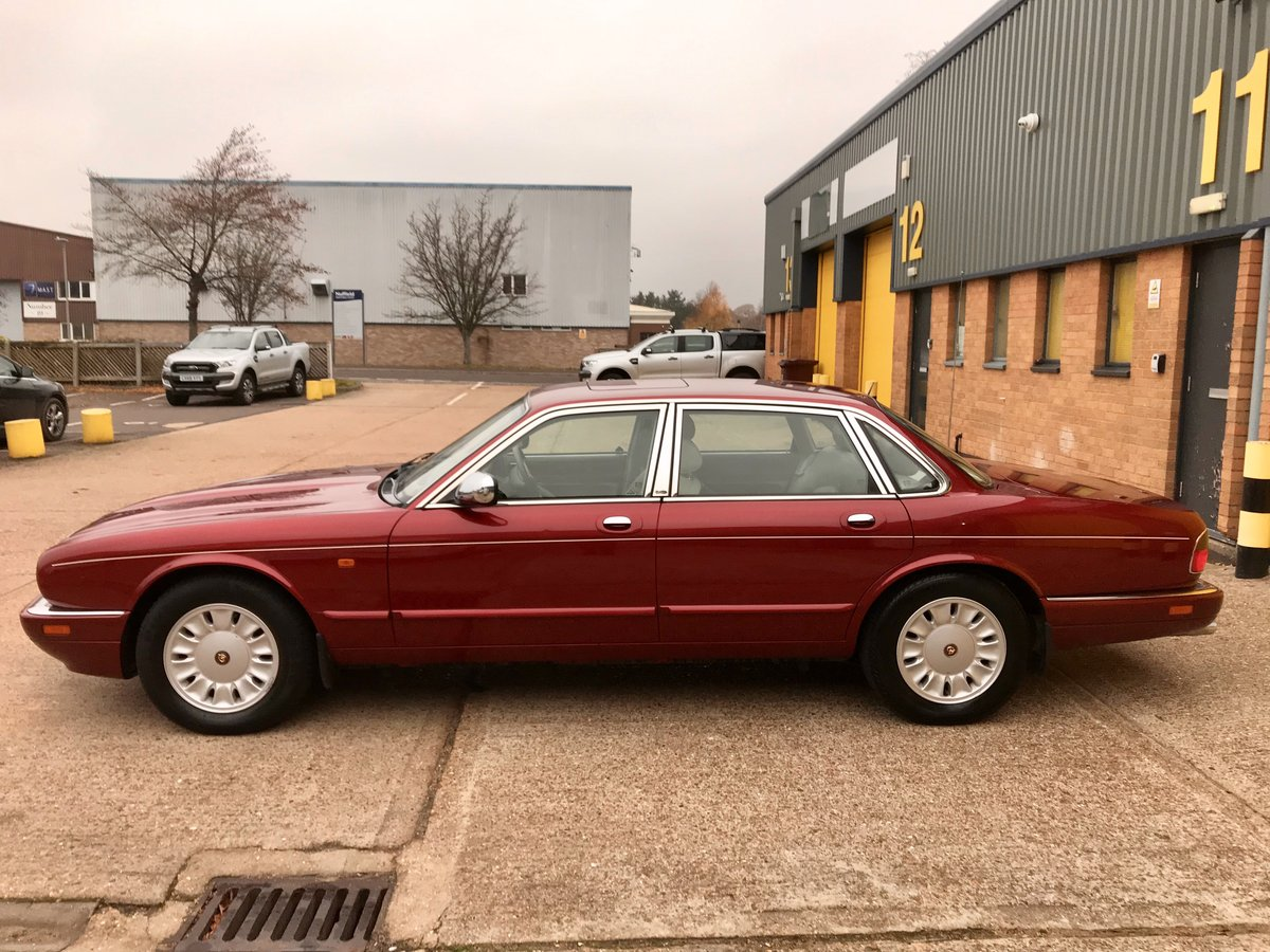 DAIMLER SIX 4.0 - 1995 - ONLY 62,000 miles FSH For Sale (picture 3 of 6)