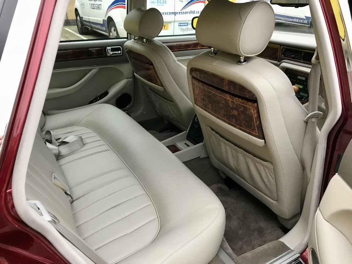 DAIMLER SIX 4.0 - 1995 - ONLY 62,000 miles FSH For Sale (picture 4 of 6)