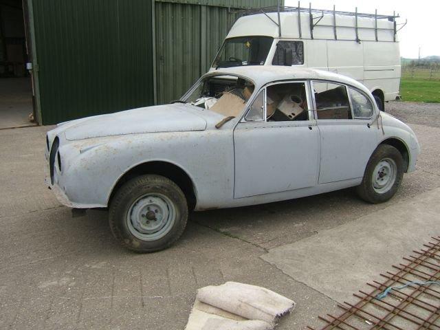 1965 Jaguar/Daimler Mk2 restored body shell For Sale (picture 3 of 3)