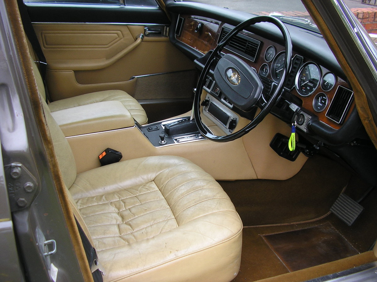 1975N Daimler Sovereign Mk II 4.2 Automatic SOLD (picture 3 of 6)
