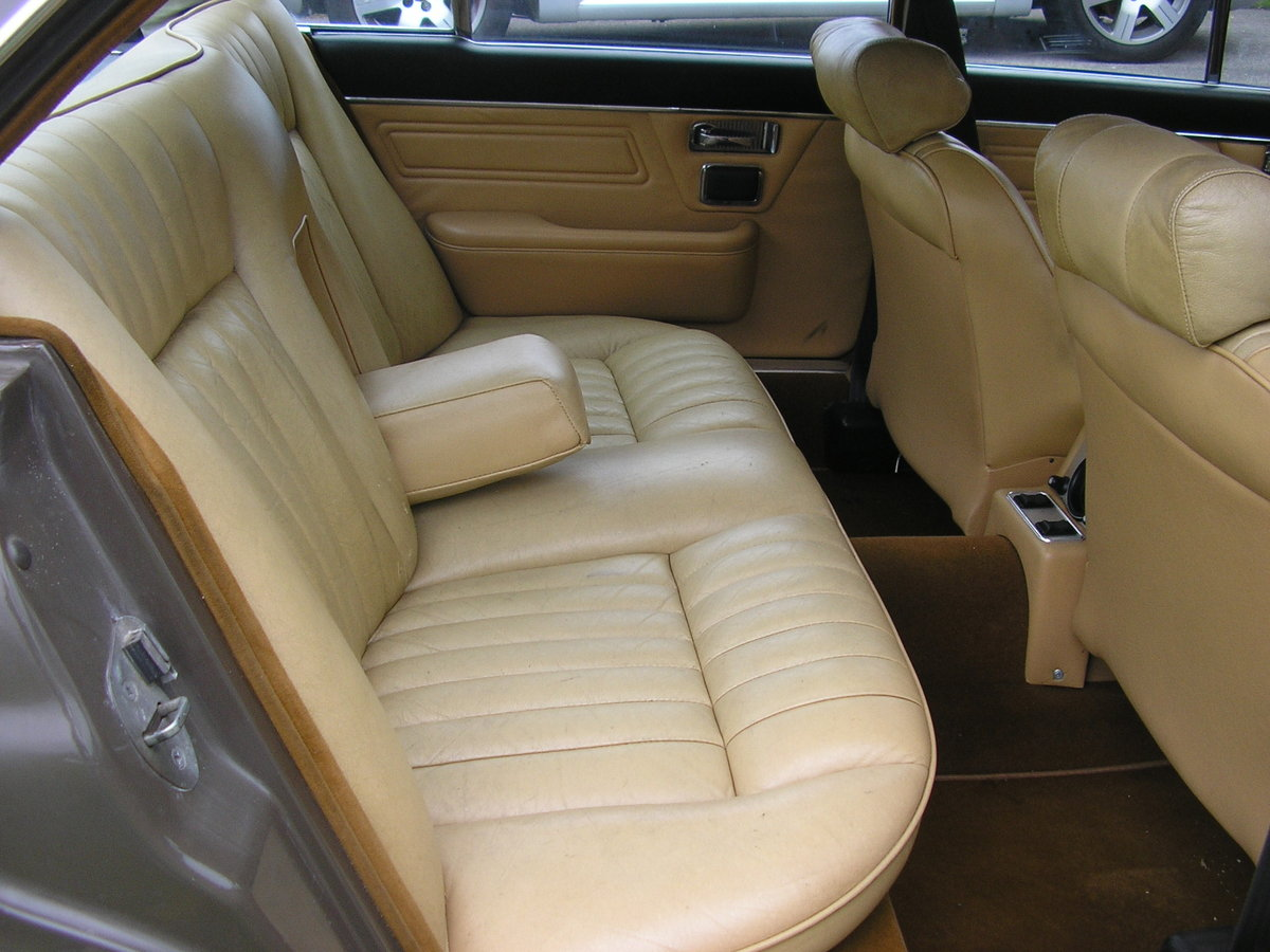 1975N Daimler Sovereign Mk II 4.2 Automatic For Sale (picture 4 of 6)