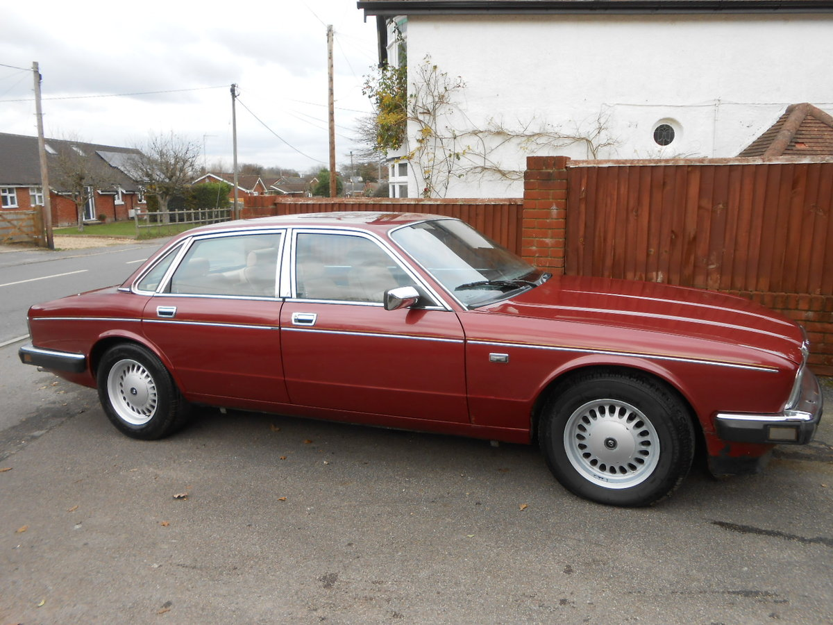 1988 Daimler jag xj40 3.6 auto 54,000 miles For Sale (picture 3 of 6)