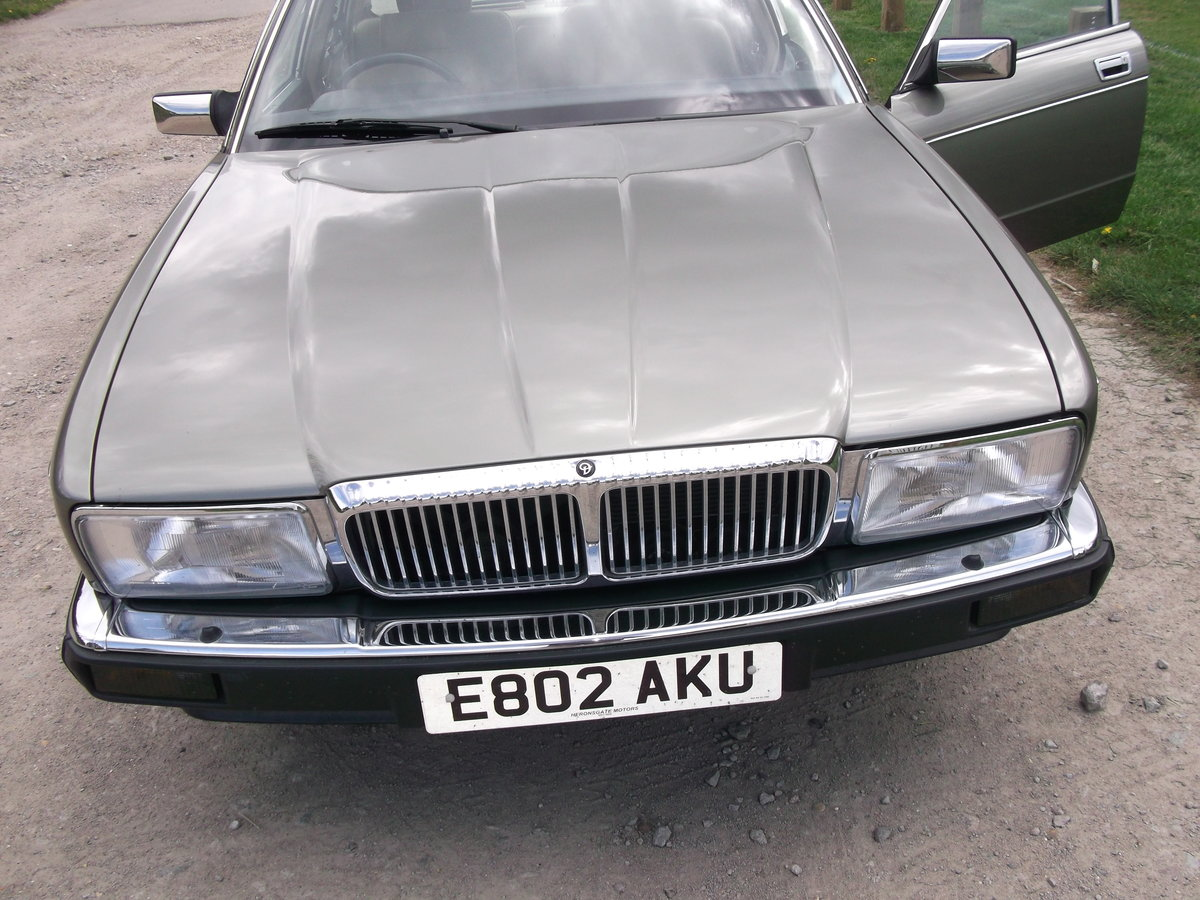 1988 Daimler xj40 service history 20500 miles For Sale (picture 4 of 6)