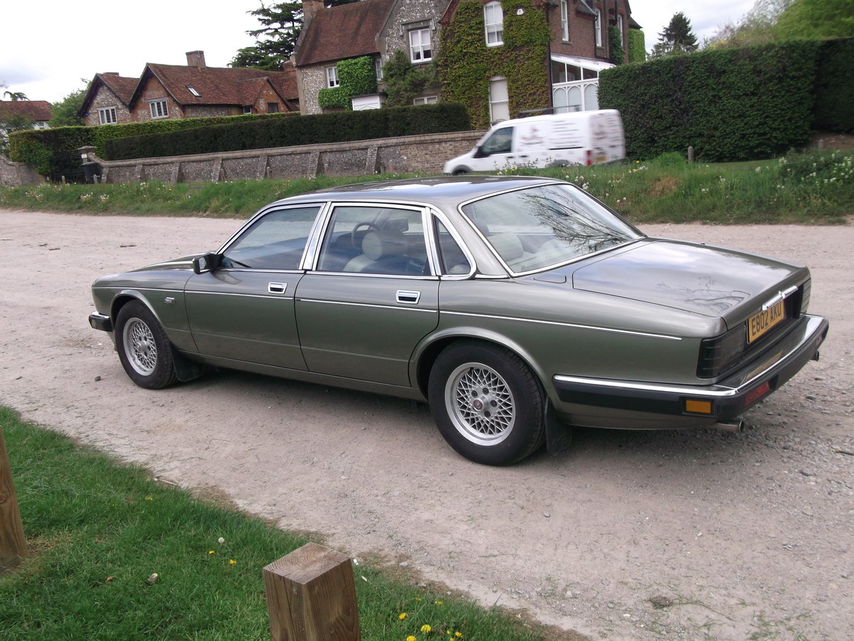 1988 Daimler xj40 service history 20500 miles For Sale (picture 5 of 6)