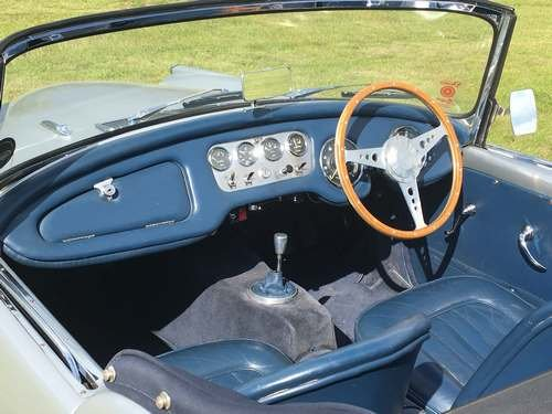 1961 Daimler SP250 (Dart) at Morris Leslie Auction 17th August SOLD by Auction (picture 4 of 6)