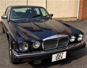 1991 DAIMLER DOUBLE SIX LOT: 398 For Sale by Auction