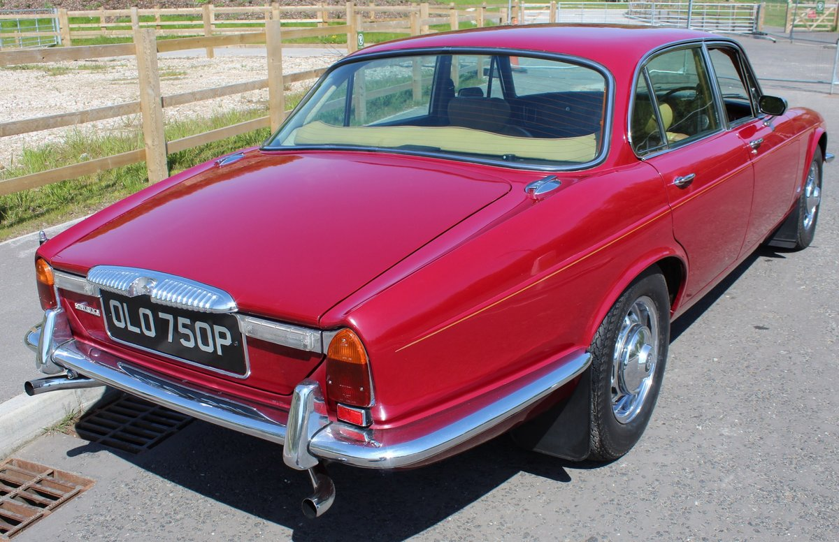 1976 Daimler Sovereign 4.2 LWB Series 2 Saloon , 61,000 reco SOLD (picture 3 of 6)