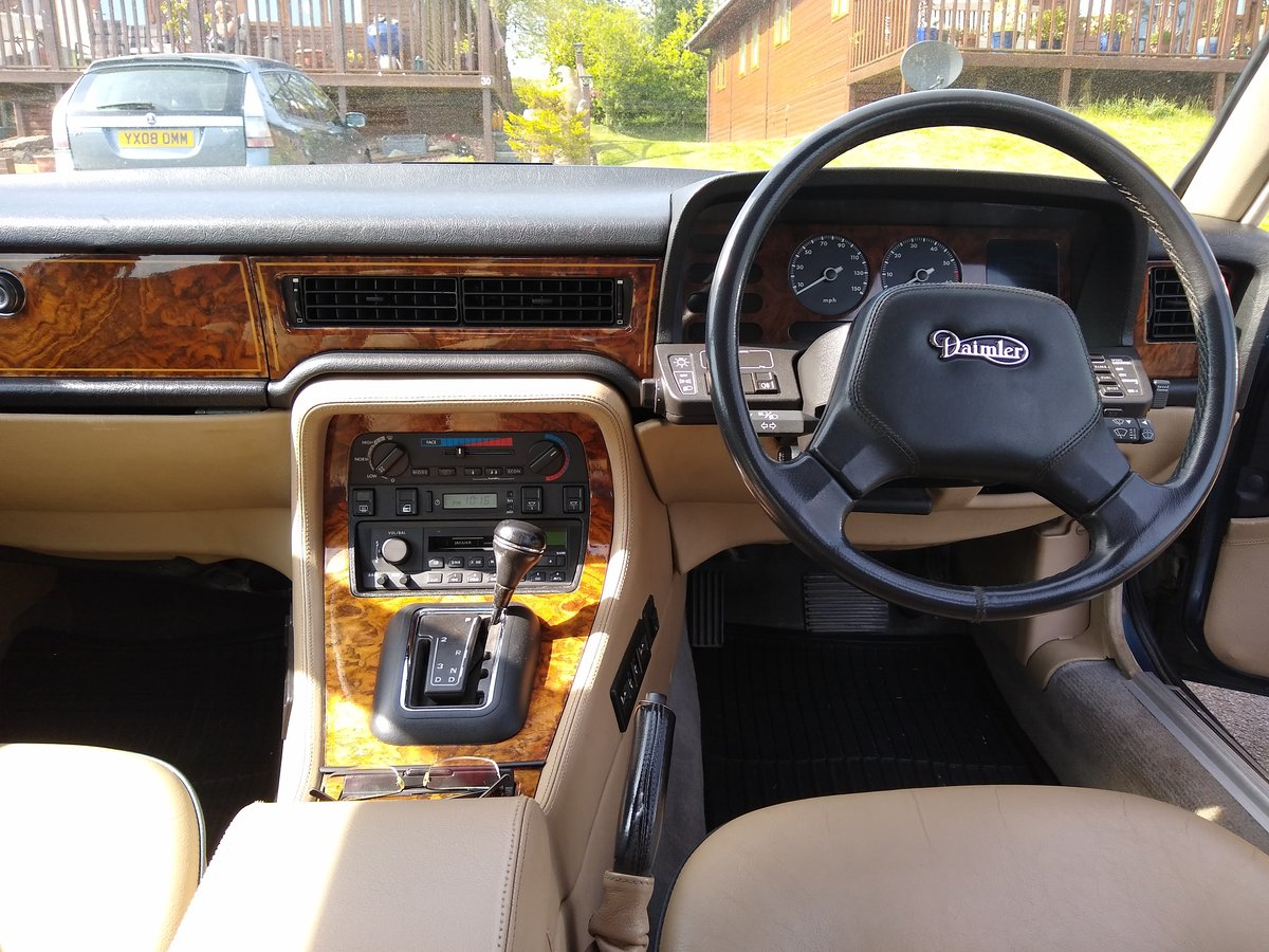 1989 Daimler 3.6 XJ40 For Sale (picture 2 of 6)