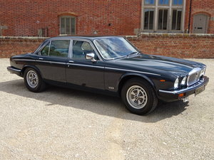 DAIMLER DOUBLE SIX 5.3 V12 1992  10,000  MILES  FROM NEW For Sale