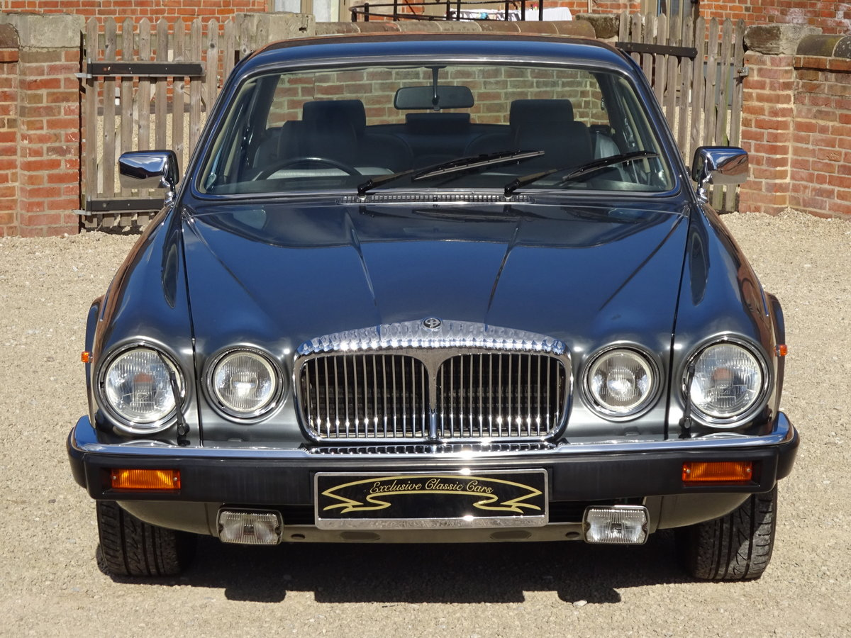 DAIMLER DOUBLE SIX 5.3 V12 1993  31,000  MILES 1 OWNER   For Sale (picture 6 of 6)