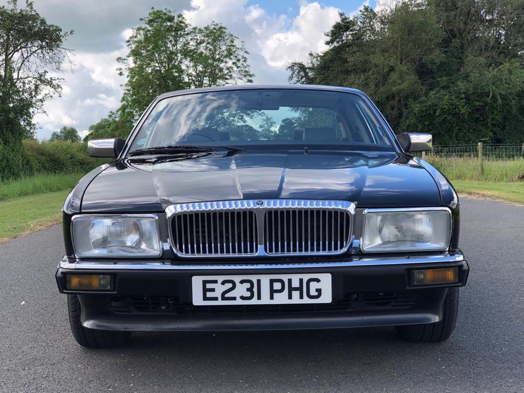 1988 Daimler 3.6 Automatic (XJ40).  SOLD (picture 2 of 6)