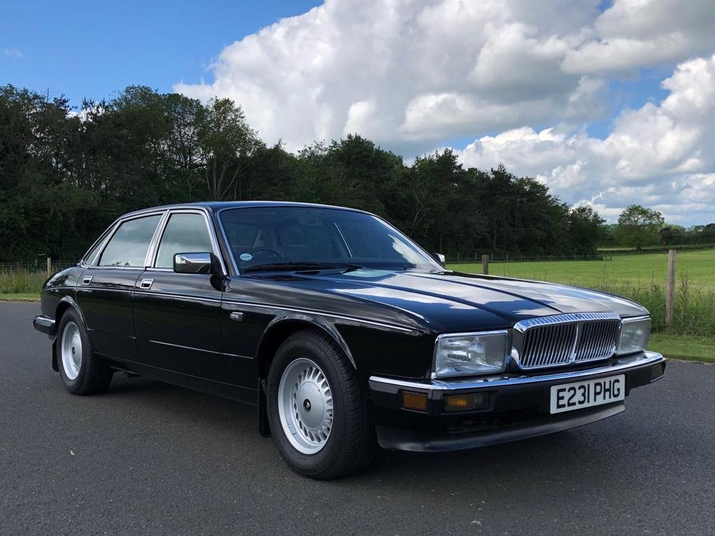 1988 Daimler 3.6 Automatic (XJ40).  SOLD (picture 3 of 6)
