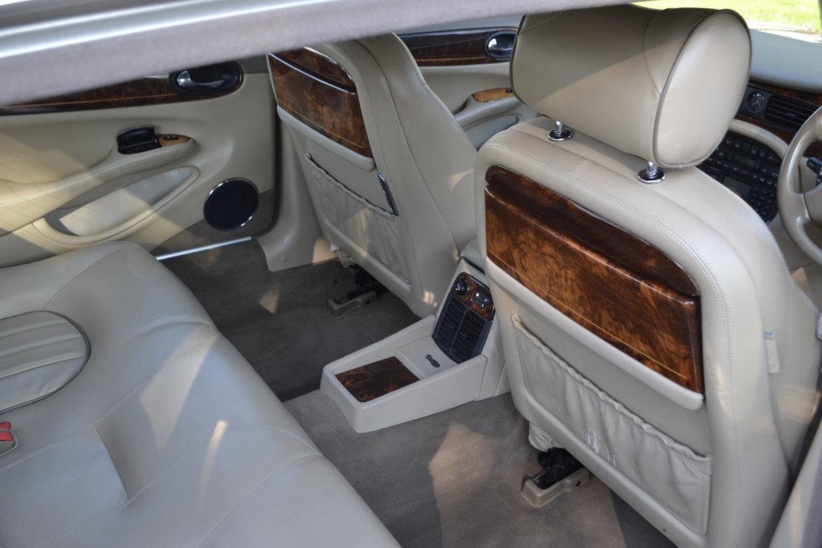 1998 Daimler V8 LWB - superb + superb history For Sale (picture 8 of 12)