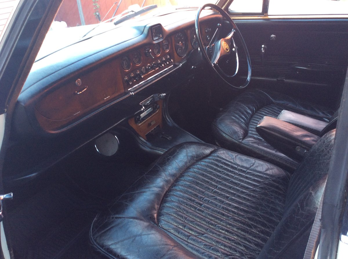 1967 DAIMLER 420 SOVEREIGN LOW MILEAGE + OWNERS SUPERB SOLD (picture 4 of 6)