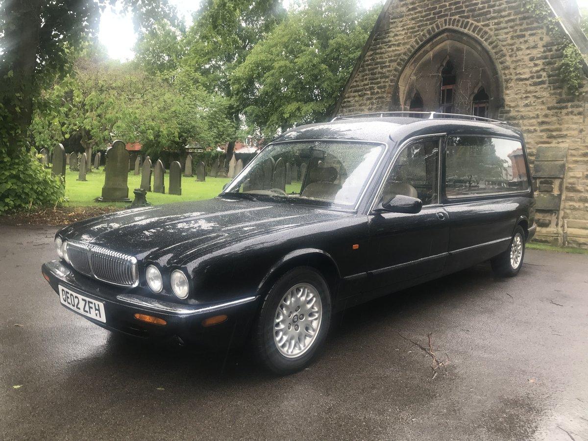 2002 Jaguar Daimler V8 Hearse For Sale (picture 1 of 6)