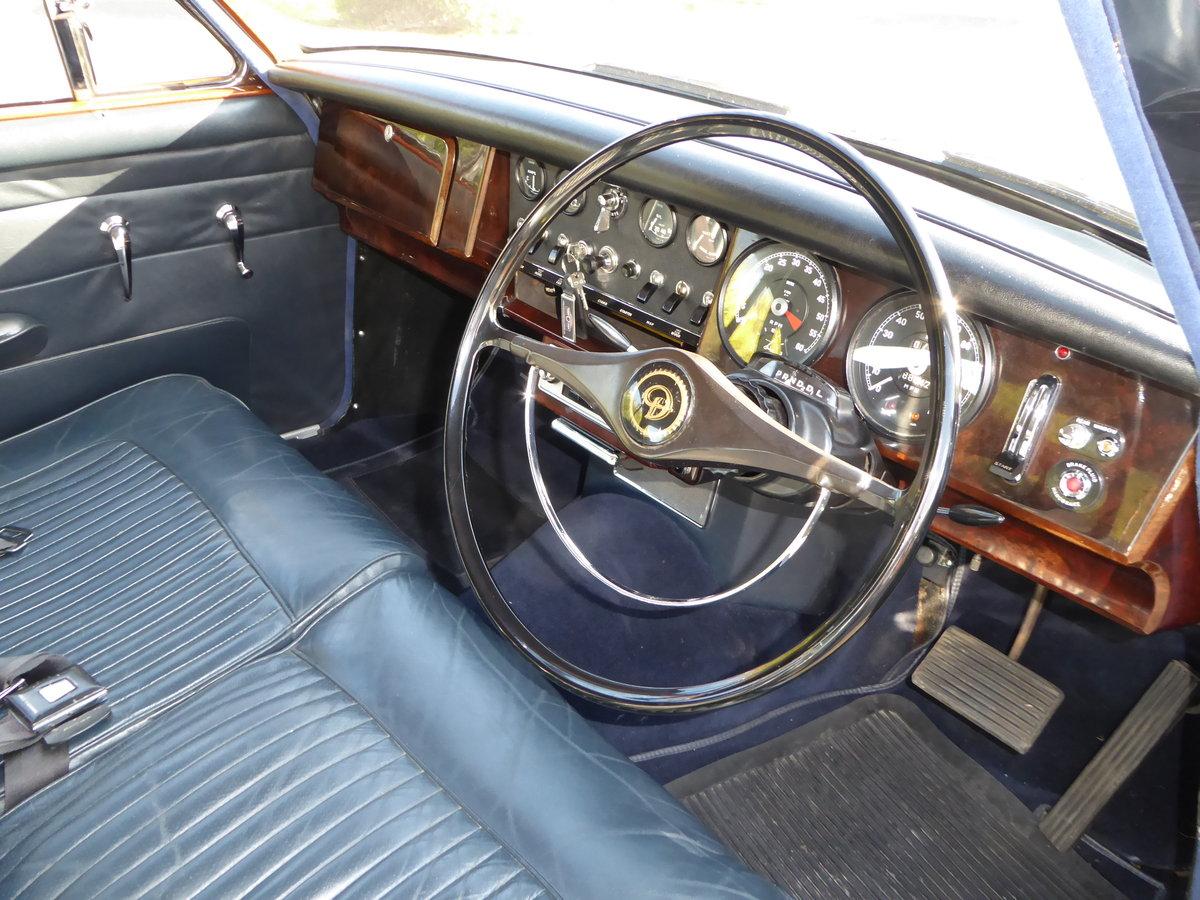 1968 DAIMLER 250 V8 For Sale (picture 3 of 4)