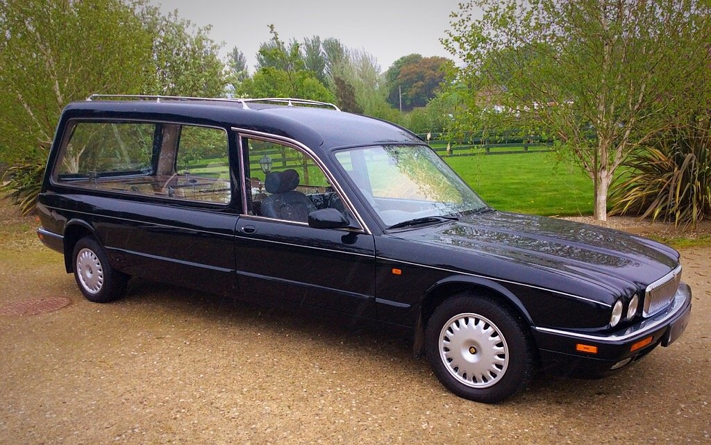 1997 DAIMLER HEARSE EAGLE WILCOX JUST 43,000 MILES SUPERB - PX ? For Sale (picture 1 of 6)