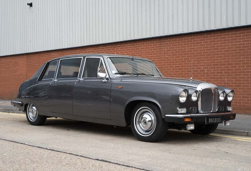 Daimler DS420 Special Order Touring Limousine 1987 For Sale (picture 2 of 11)