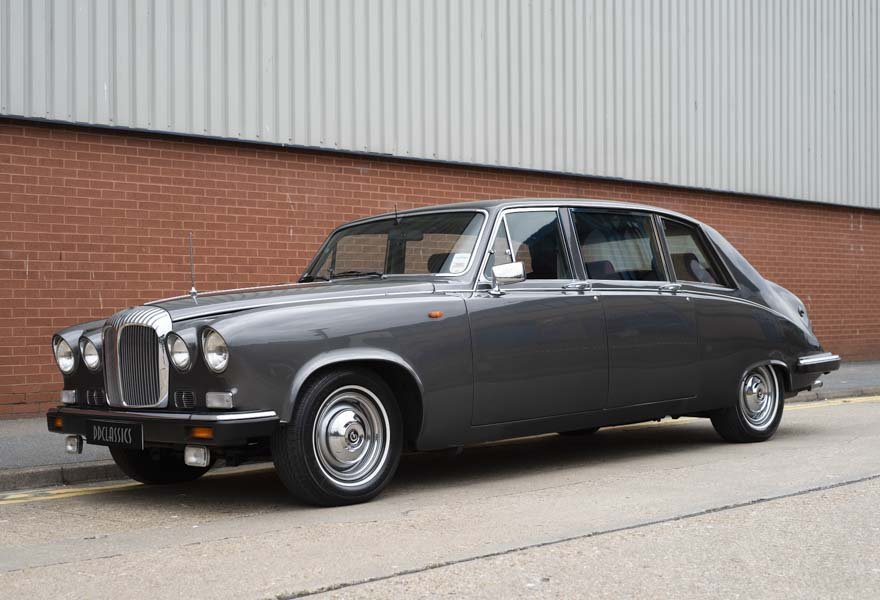 Daimler DS420 Special Order Touring Limousine 1987 For Sale (picture 1 of 11)
