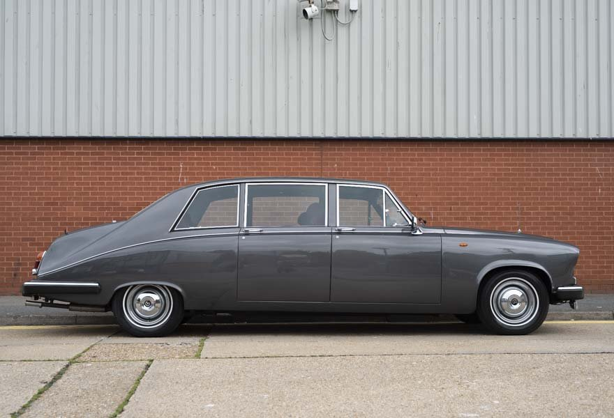 Daimler DS420 Special Order Touring Limousine 1987 For Sale (picture 5 of 11)