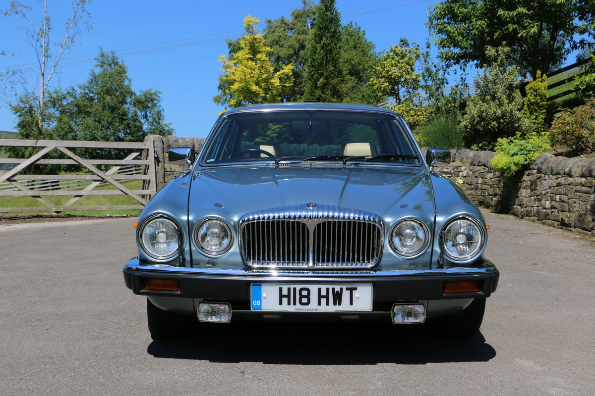 Daimler Double Six 1991, Immaculate UK Car For Sale (picture 2 of 6)