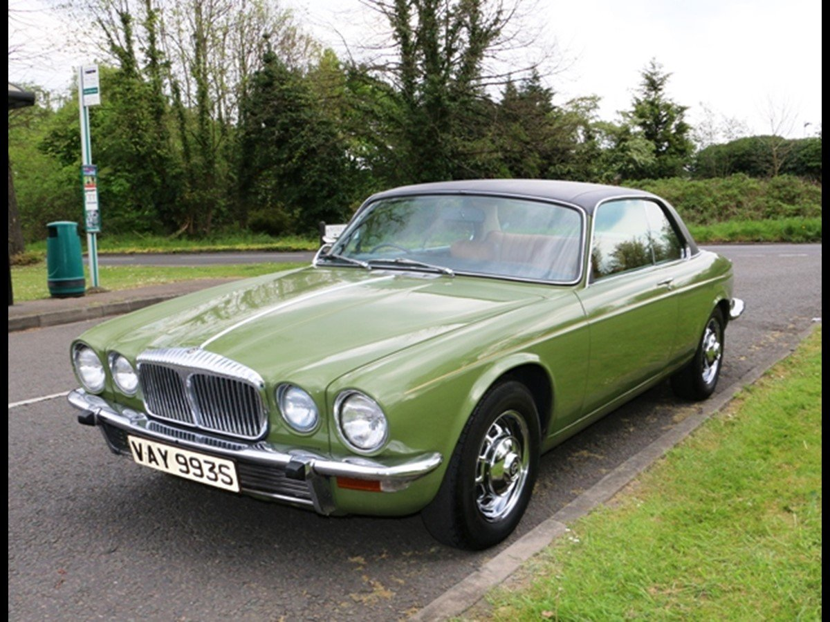 Daimler Pillarless Coupe 1977 4.2L For Sale (picture 1 of 6)