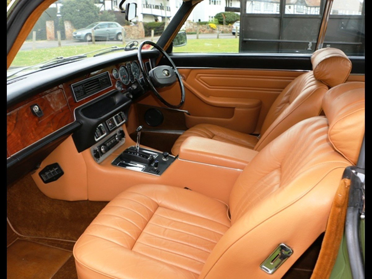 Daimler Pillarless Coupe 1977 4.2L(XJC) SOLD (picture 4 of 6)