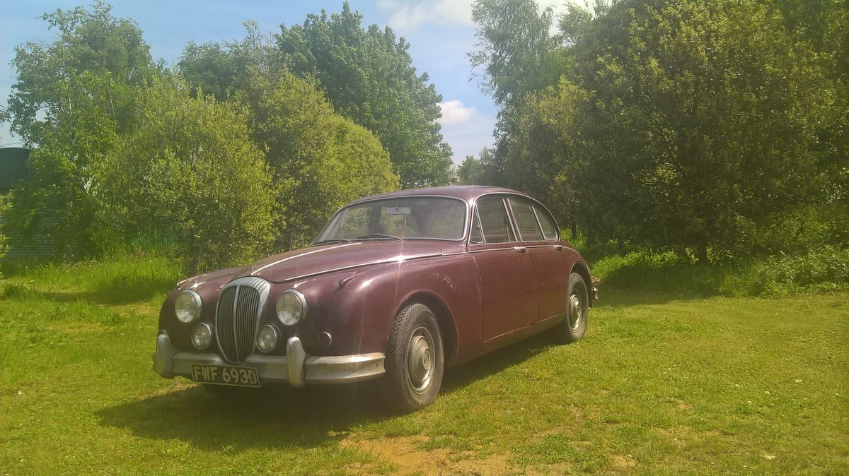 1966 Daimler V8 saloon For Sale (picture 1 of 4)