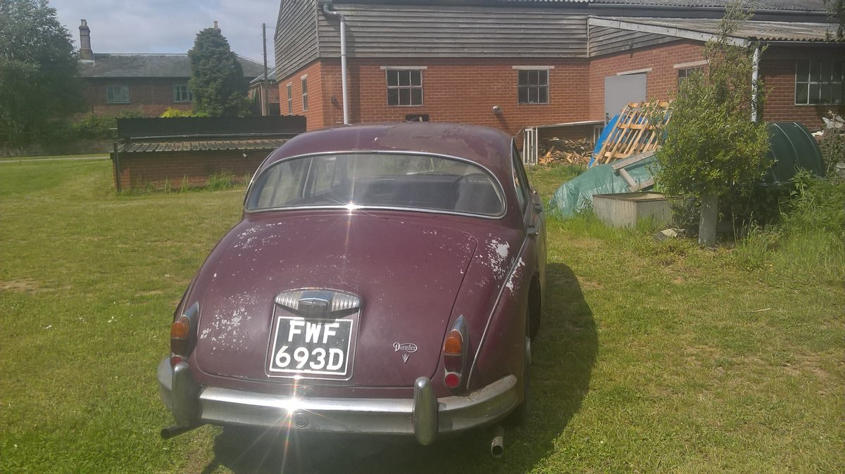1966 Daimler V8 saloon For Sale (picture 2 of 4)