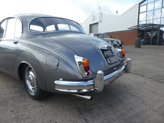 1964 Daimler V8 250. Probably the best in the world! For Sale (picture 4 of 6)