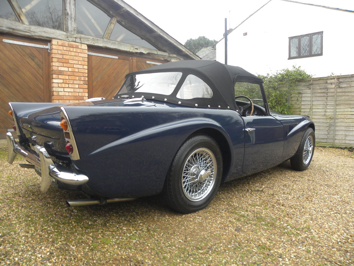 1962 DAIMLER SP250. FULL BODY OFF REBUILD For Sale (picture 3 of 6)
