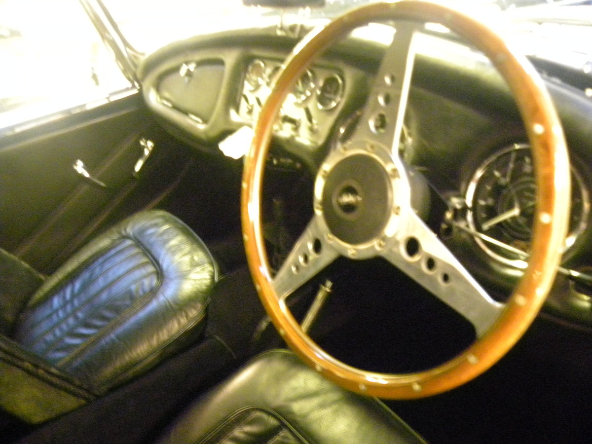 1962 DAIMLER SP250. FULL BODY OFF REBUILD For Sale (picture 4 of 6)