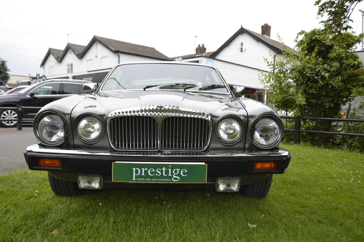1992 Daimler Double Six - Series III For Sale (picture 5 of 12)