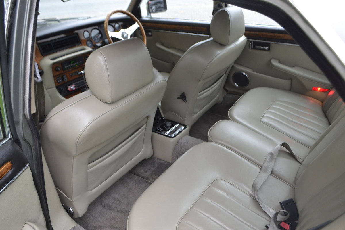1992 Daimler Double Six - Series III For Sale (picture 9 of 12)