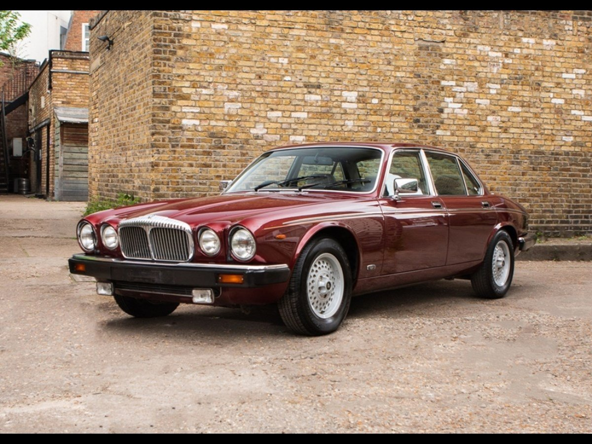 1990 Daimler Double Six V12 5.3 25000 Miles Only For Sale (picture 1 of 6)