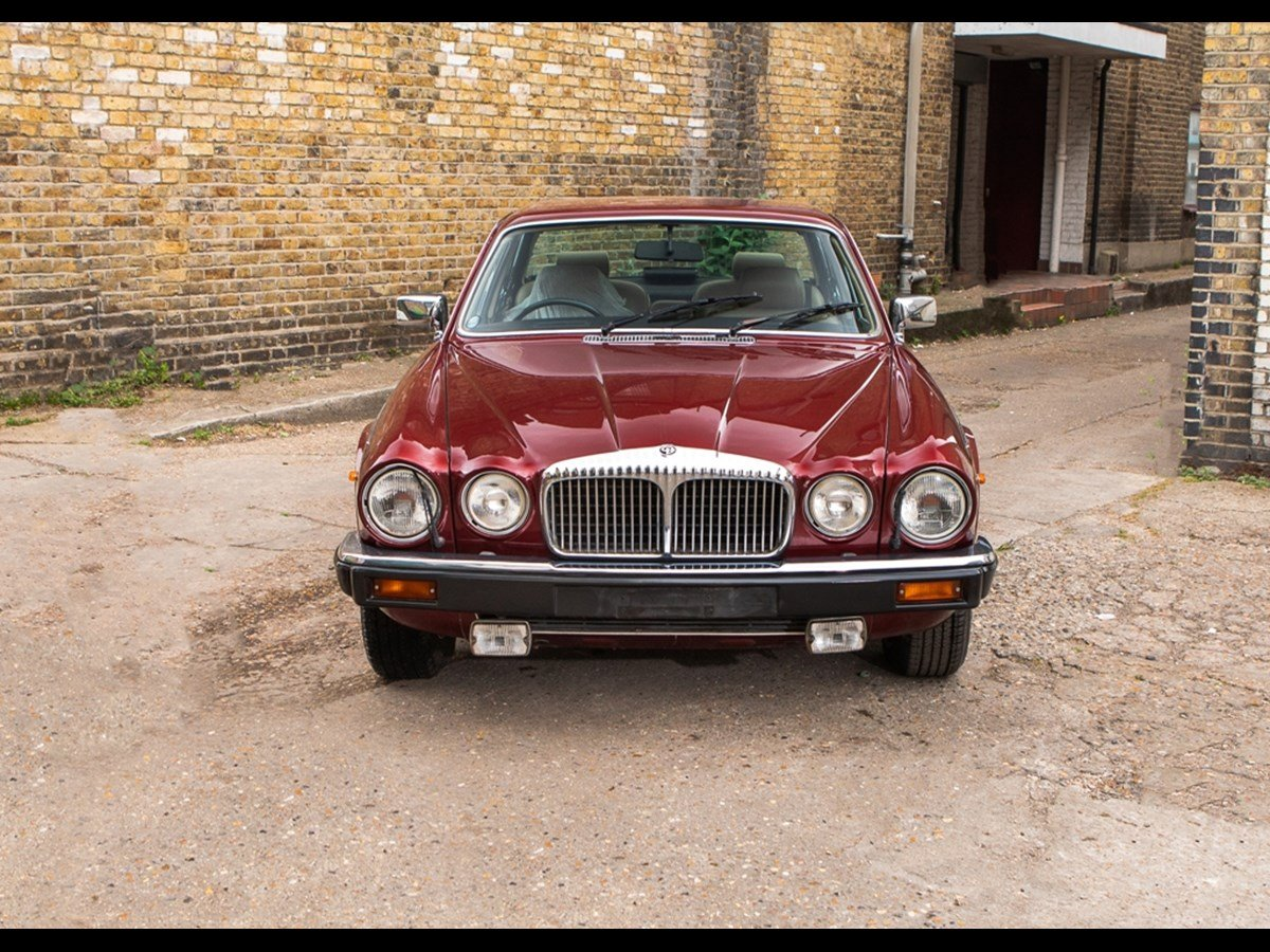 1990 Daimler Double Six V12 5.3 25000 Miles Only For Sale (picture 3 of 6)