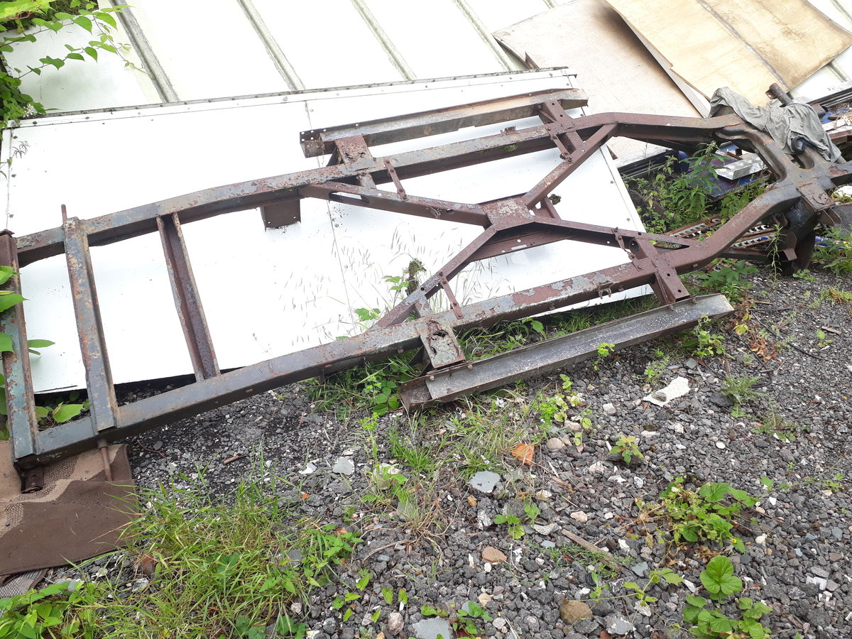 1962 Daimler dart sp250 bodyshell and chassis For Sale (picture 6 of 6)