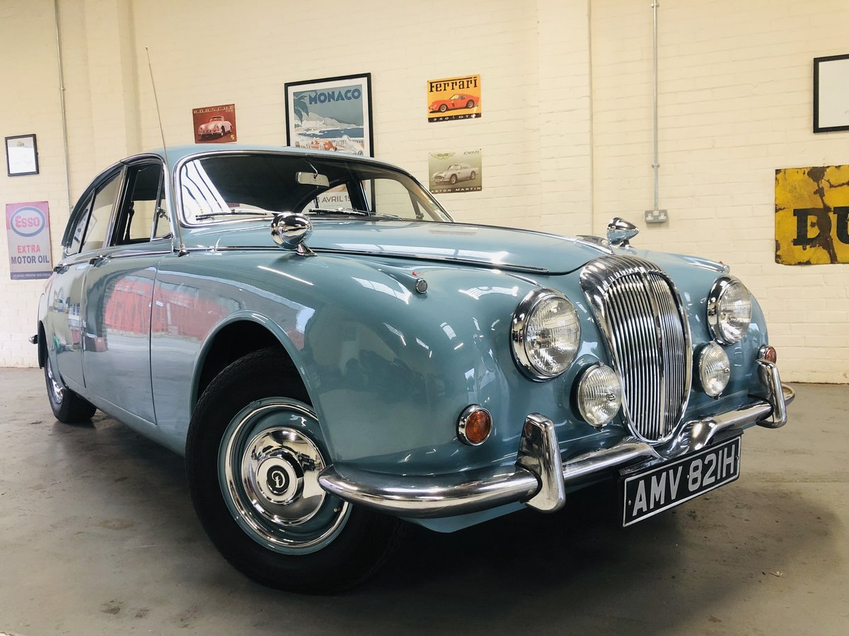 1969 Daimler 250 V8 Auto - absolutely stunning condition SOLD (picture 1 of 6)