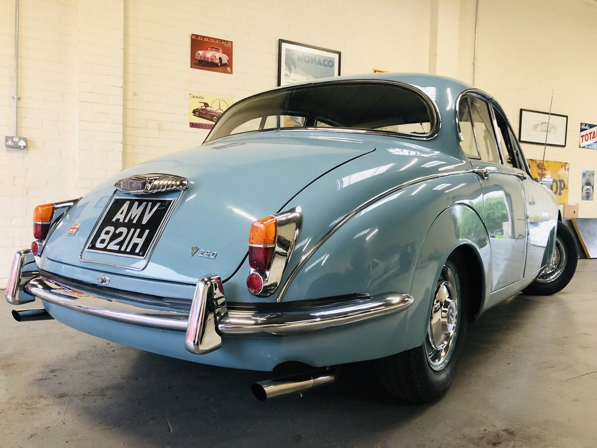 1969 Daimler 250 V8 Auto - absolutely stunning condition SOLD (picture 2 of 6)