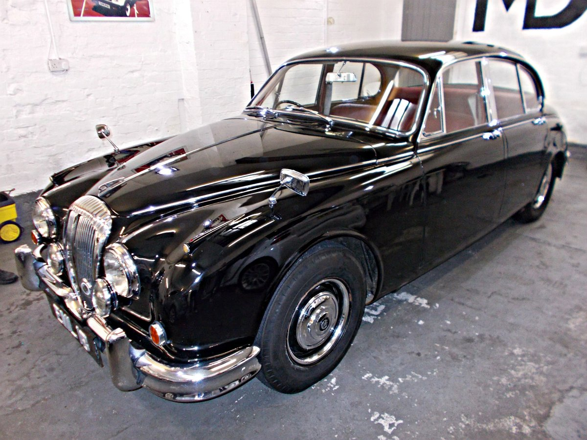 1964 Daimler V8 250 Saloon. Genuine low mileage car with FSH For Sale (picture 2 of 6)