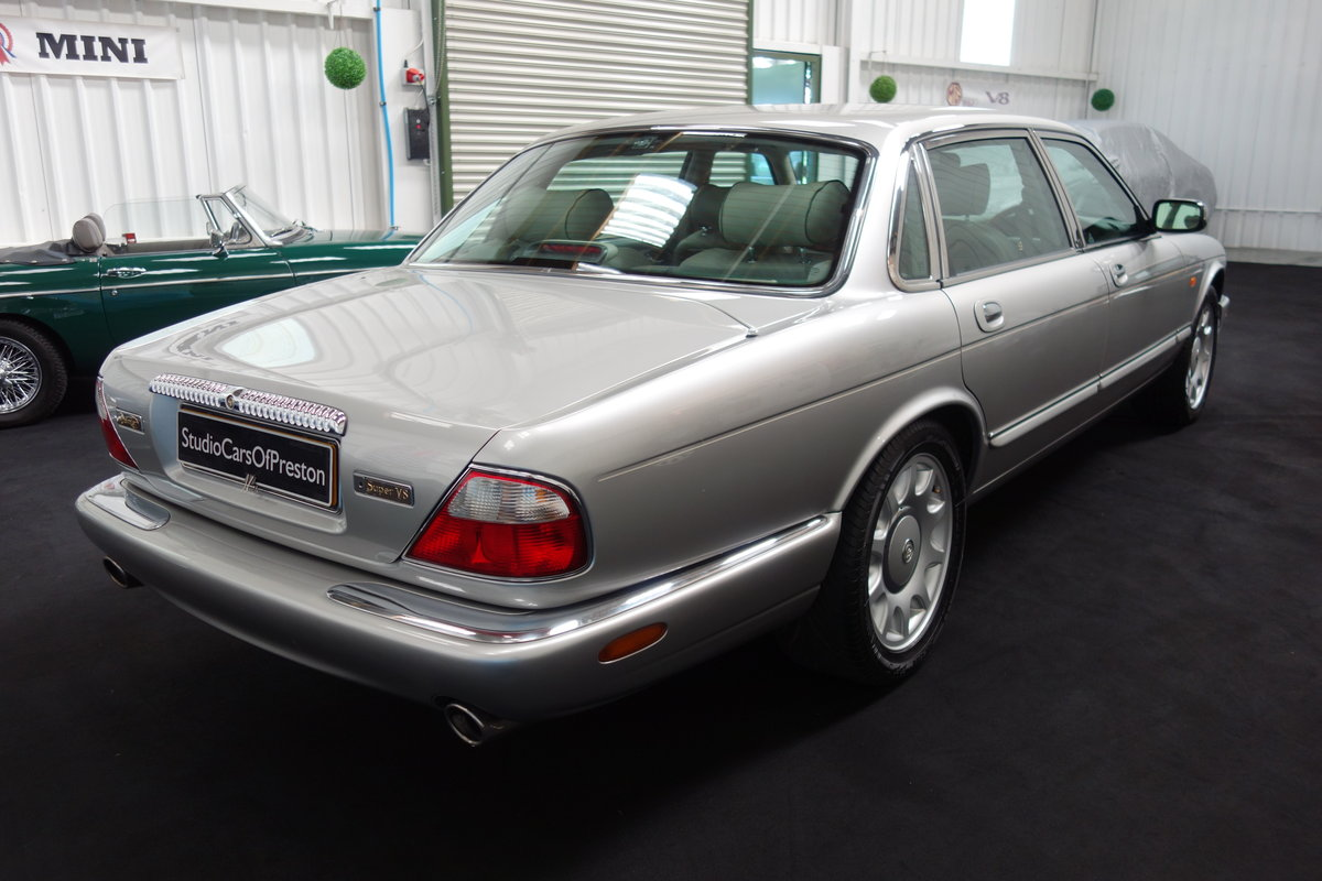 1997 Daimler Super V8 53'000 miles and beautiful condition For Sale (picture 4 of 6)