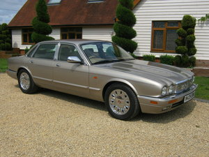 1995 DAIMLER SIX. 4.0 SWB MODEL. SIMPLY STUNNING SOLD