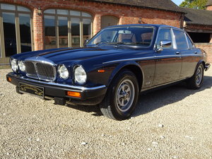 DAIMLER DOUBLE SIX 5.3 V12 1990 COVERED 23,000 MILES  For Sale