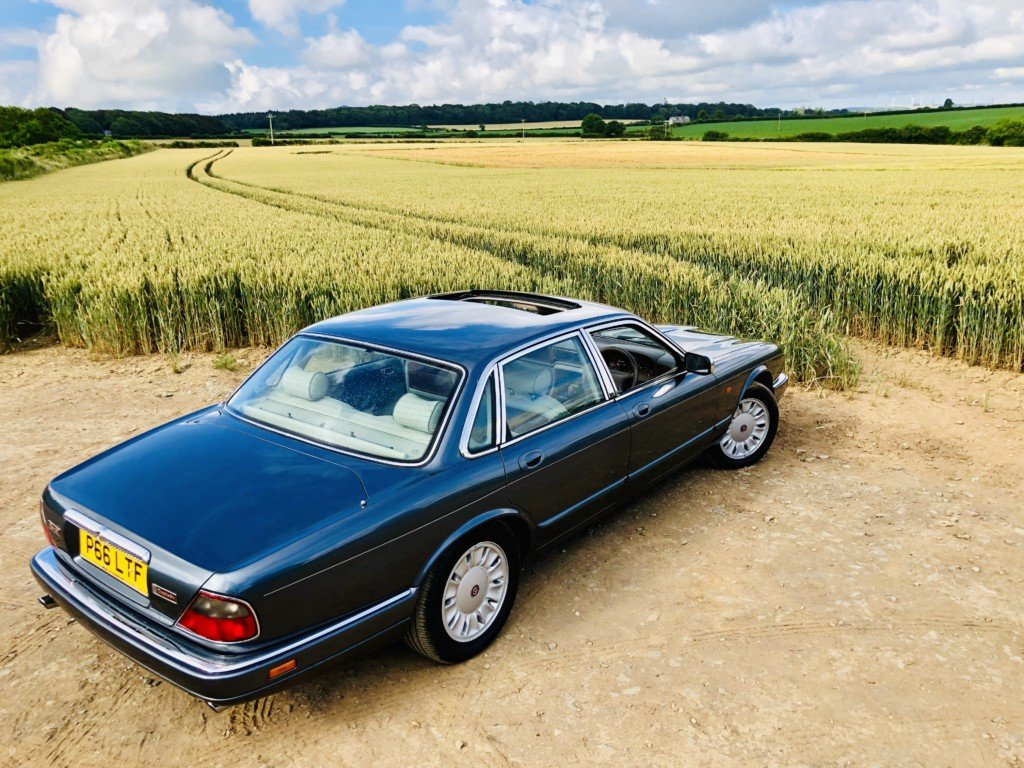 1996 Daimler Double six 6.0 V12 For Sale (picture 5 of 6)