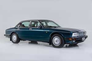 LIVE AUCTION 1993 Daimler 4.0 For Sale by Auction