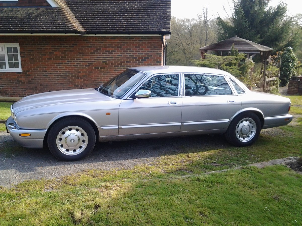 2000 Daimler XJ8 Special edition For Sale (picture 2 of 3)