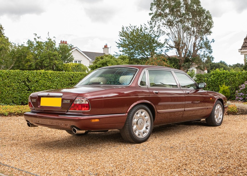 1999 Daimler Super V8 Long Wheelbase For Sale by Auction (picture 4 of 6)